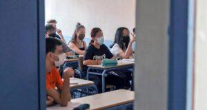 Ο ΕΟΔΥ θα ενημερώνει κάθε Τετάρτη για τους μαθητές 4-17 ετών που νοσούν